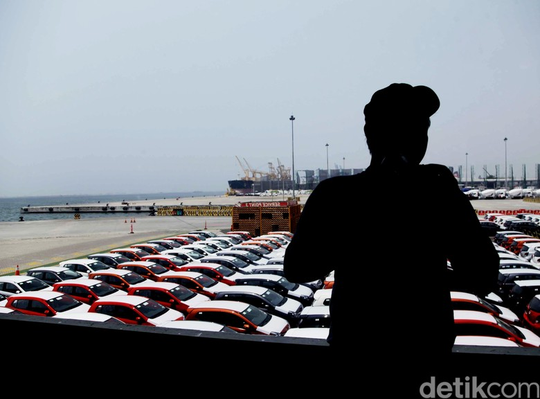 Ekspor mobil buatan Indonesia. Foto: Pradita Utama