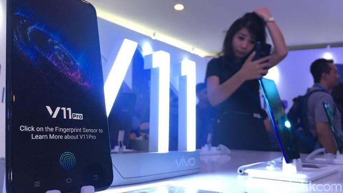 Vivo V11 Pro mengusung teknologi screen touch ID (Foto: detikINET/Agus Tri Haryanto)