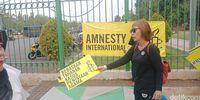 Massa Gelar Aksi 'Bebaskan Meliana' di Monas