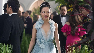 Mewahnya Gaun di Crazy Rich Asians, Ada yang Dihiasi 2.333 Kristal