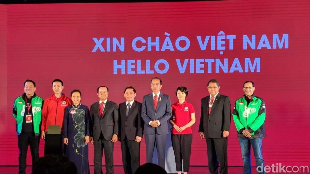Begini Aksi Jokowi di Atas Panggung Peluncuran Go-Viet