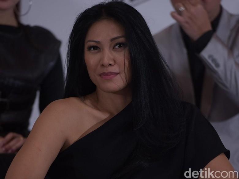 Anggun C Sasmi Bangga Anaknya Fasih Berbahasa Indonesia