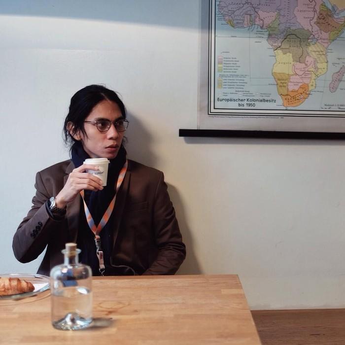 Angga Dwimas Sasongko pernah menyutradarai beberapa film hingga video klip. Baru-baru ini, ia menyutradarai film laga Wiro Sableng. Foto: Instagram anggasasongko