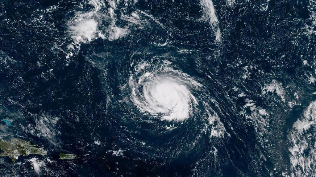 Ngeri! Begini Penampakan Badai Florence dari Satelit NASA