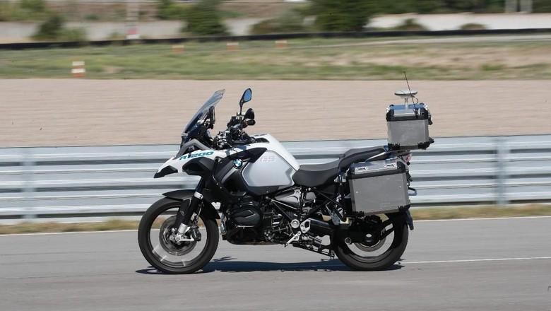 BMW R1200GS yang Sudah Dilengkapi Teknologi Otonom