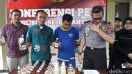 Polisi Ciduk Distributor dan Ratusan Botol Miras Palsu di Banyumas