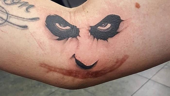Joker apakah itu kamu? (Foto: Instagram/yellowtattoos)