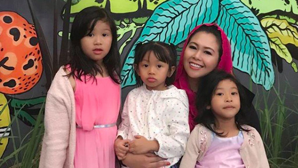 Kenalan dengan 3 Cucu Perempuan Gus Dur yang Lucu-lucu