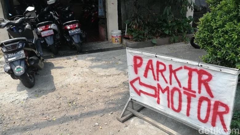 Parkir motor Foto: Rizki Pratama