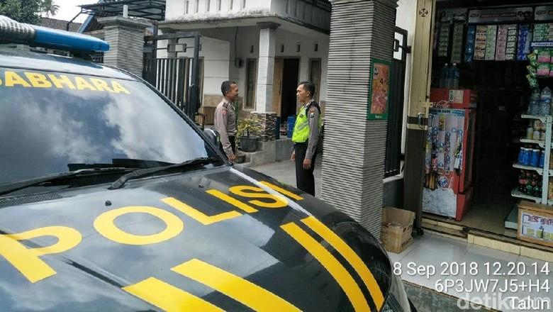 Geger Pocong Diduga Curi Uang Warga di Blitar