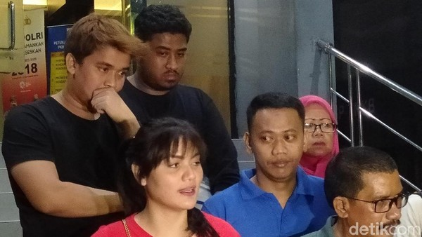 Hilda Vitria dan Ibunda Laporkan Kriss Hatta, Soal Apa Lagi?