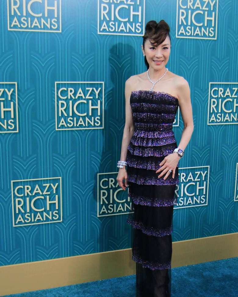 Aktris legenda asal Malaysia, Michelle Yeoh, sukses membintangi film Crazy Rich Asians yang sedang naik daun. (Instagram @michelleyeoh_official)