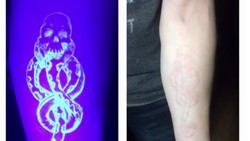 Keren! Bukan sekadar tato biasa, tato UV ini bisa menyala saat disinari sinar ultraviolet. Tinta fluoresens membuat tato-tato lucu ini berbeda.