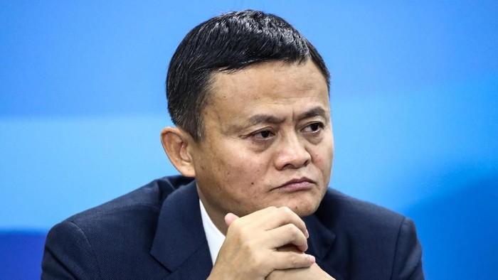 Jack Ma akan pensiun dari Alibaba dan ada dugaan berikutnya mungkin ia bisa jadi guru lagi (Foto: Valery Sharifulin/TASS Host Photo Agency/Pool via REUTERS)