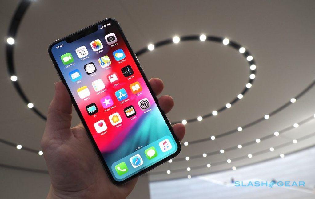 Apple baru saja menggebrak dengan merilis iPhone XS yang membawa chip anyar dalam diri A12 Bionic. Foto: Slashgear
