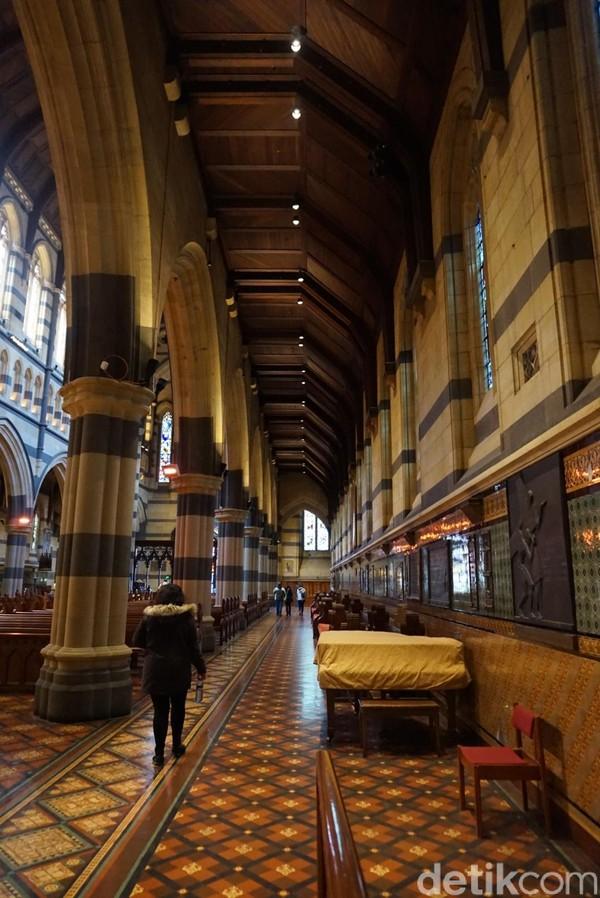 Ditambah, St Pauls Cathedral jadi landmark arsitektur di negara bagian Victoria juga lho (Shinta/detikTravel)