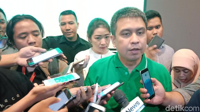 Managing Director Grab Indonesia Ridzki Kramadibrata.