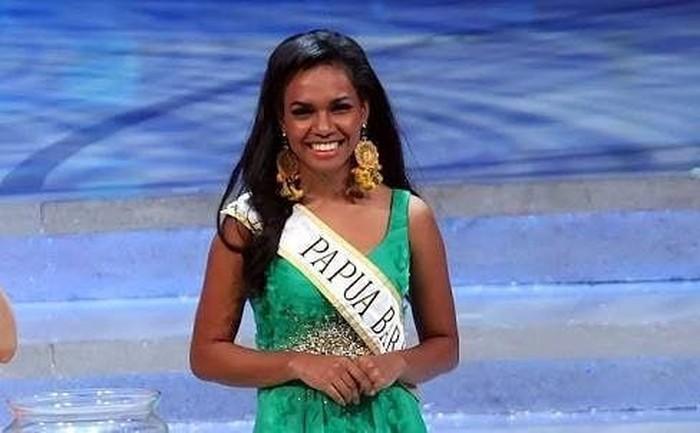 Wanita asal Papua Barat ini bukan pemula di dunia kecantikan, ia pernah menyabet gelar Runner Up 1 di Miss Indonesia 2014. (Foto: Instagram/ellenrachell)