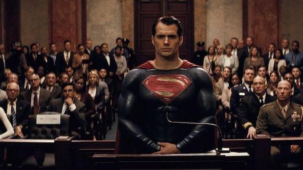 Menag Lawan DC Comics, Ini Wafer Superman dari Surabaya yang Melegenda