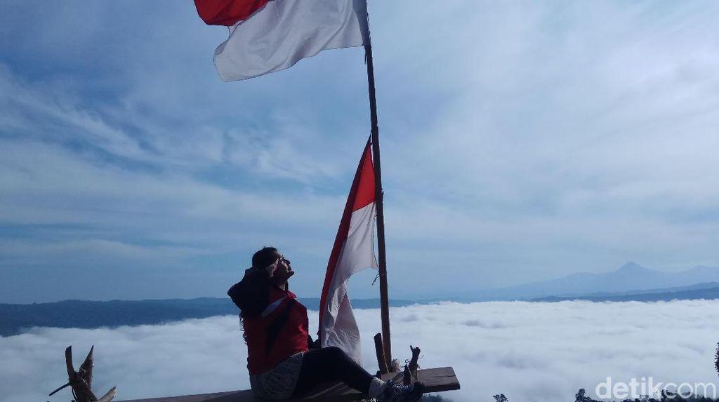 Pesona Negeri Atas Awan di Sulawesi Utara