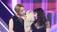 Kemesraan HyunA dan EDawn yang Bikin Iri!