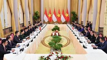 Temui Presiden Vietnam, Jokowi Minta Ekspor Mobil RI Dipermudah