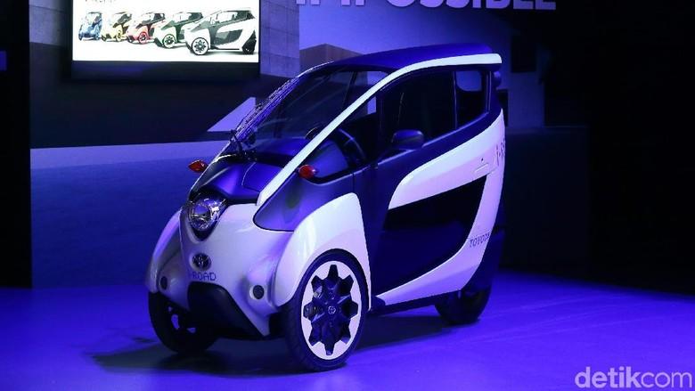 Toyota i-road, kendaraan yang diklaim cocok digunakan di kawasan urban yang macet. Foto: Toyota