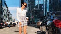 10 Potret Anastasia, Model yang Kerap Di-bully karena Kaki Terlalu Panjang