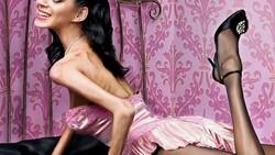 Tubuh yang terlalu kurus bukan berarti cantik, untuk menyampaikan pesan tersebut sebuah situs gosip menyebarkan foto bagaimana bila artis mengidap anoreksia.