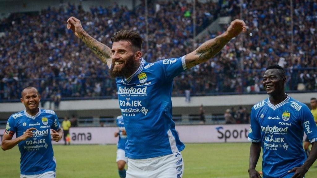 Persib Bandung Hajar Arema FC 2-0