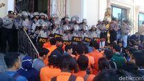 Demo Jokowi, Mahasiswa di Jambi dan Polisi Dorong-dorongan