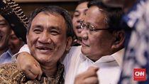 Sentilan Jenderal Kardus Andi Arief Berujung Rangkulan Prabowo