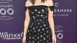 Olivia Munn adalah artis cantik yang bermain dalam film terbaru The Predator. Dirinya diketahui punya fisik yang bugar berkat kebiasaan olahraga sejak kecil.