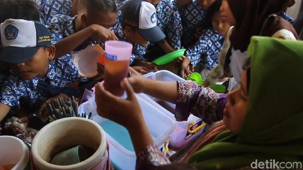 Video: Minimalkan Sampah, SMP Ini Wajibkan Siswa Bawa Alat Makan
