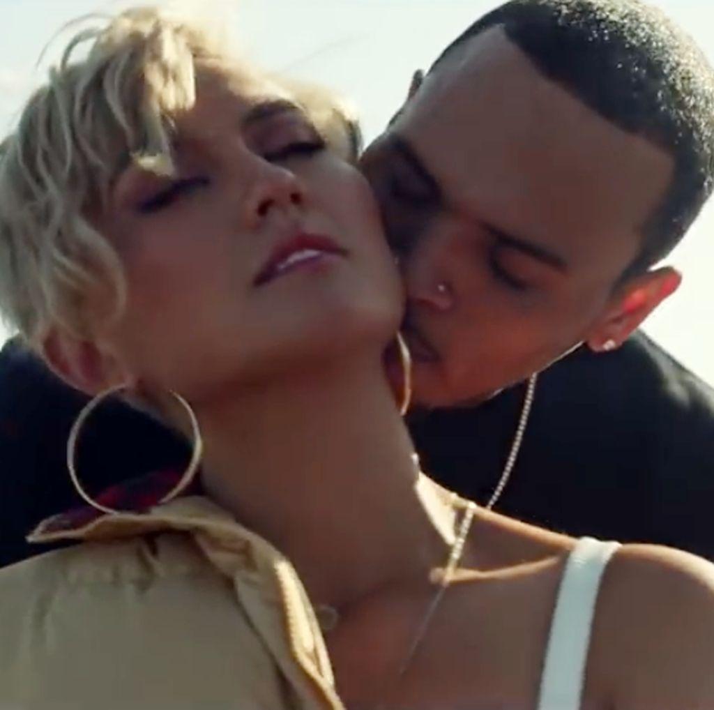 Klip Mesra Agnez Mo dan Chris Brown Puncaki Trending YouTube