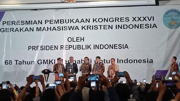Jokowi mengatakan keberagaman itu adalah hal yang perlu disyukuri.