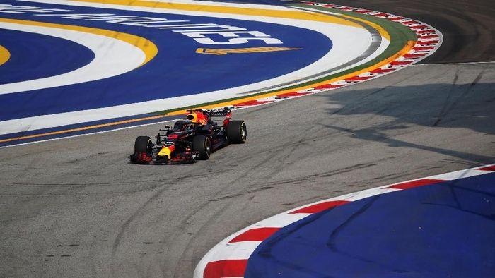 Daniel Ricciardo tercepat di sesi latihan bebas pertama GP Singapura 2018 (REUTERS/Kim Hong-Ji)