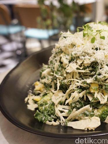 Kale & Cabbage Salad, menu sehat yang tak boleh dilewatkan.