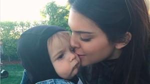 Ini Buktinya Kendall Jenner Dekat dengan Keponakan Tercinta