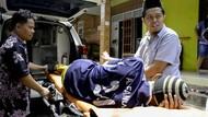 Didatangi Bupati Batang, Afandi Dibawa ke Rumah Sakit
