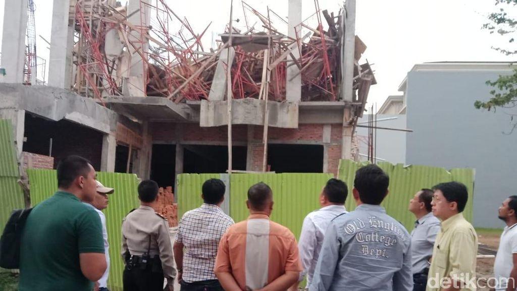 7 Pekerja Luka Tertimpa Bangunan Runtuh di PIK, 1 Masih Dicari