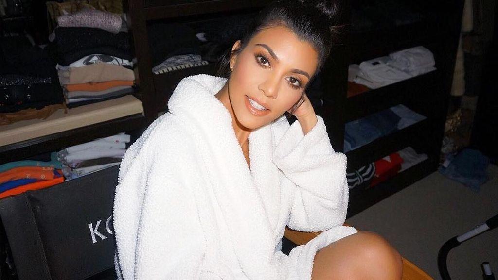 Kourtney Kardashian Bagikan Resep Brownies Enak Sang Ibu