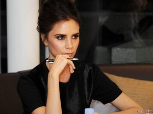 Joget Diiringi Spice Up Your Life, Victoria Beckham Rindu Spice Girl?