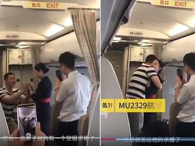Dilamar Kekasih di Pesawat, Pramugari Ini Malah Dipecat