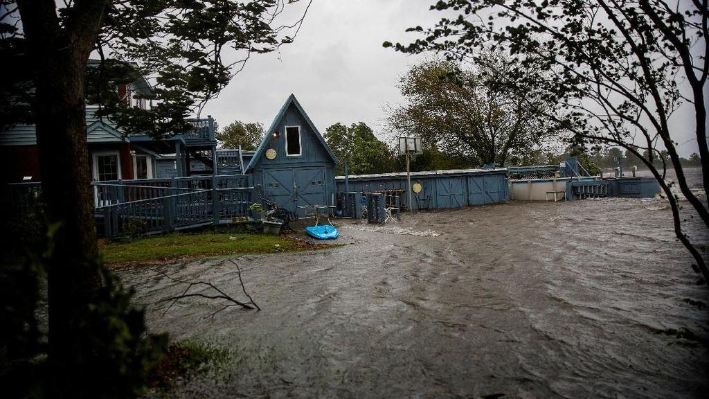 Badai Florence Mulai Hantam Wilayah Tenggara Amerika Serikat