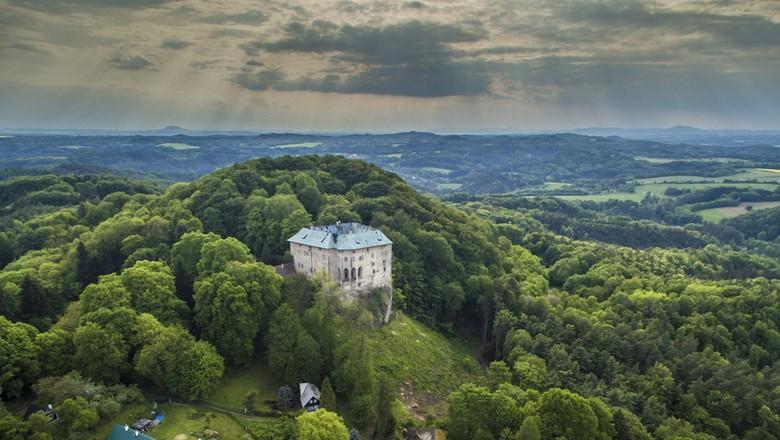 Kastil Houska di Republik Ceko (blesk.cz)