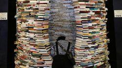 Seorang Pria Curi Buku Perpustakaan Senilai Rp 1,4 M untuk Dijual Online