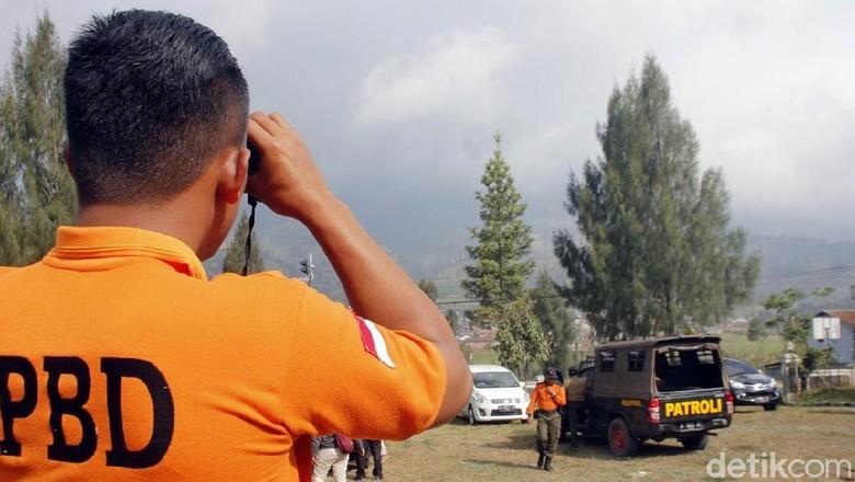 Tinggal Dua Titik Api Kebakaran di Gunung Sumbing