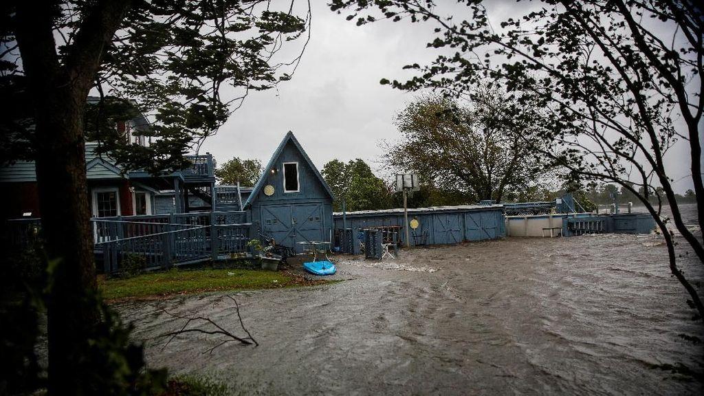 Video: Badai Florence Mendekat, Listrik Wilayah Carolina Padam