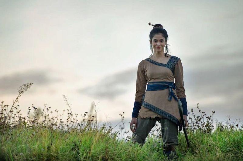 Aghniny Haque, dara berumur 21 tahun asal Semarang yang jadi pemeran putri kerajaan di film Wiro Sableng. Namanya jadi buah bibir karena aksinya di film tersebut. (@aghninyhaque/Instagram)